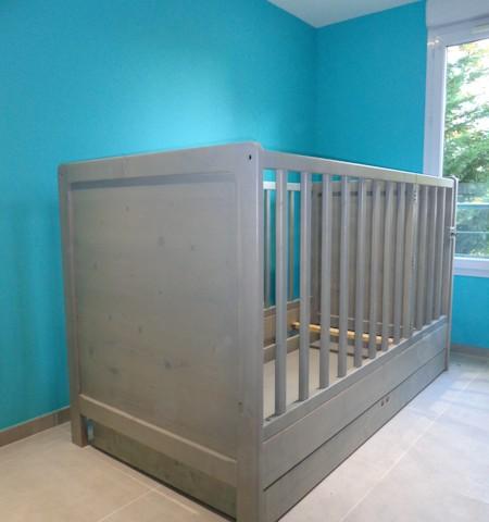 création d'un lit pour bébé sur mesure