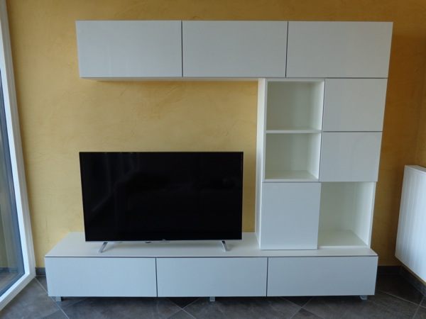 r alisation d un meuble tv laqu blanc lc creation mobilier. Black Bedroom Furniture Sets. Home Design Ideas